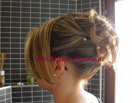 Standesamt- Brautfrisur -Seitlich-Pony-Gesträhnt-Schulterlang-Haarschmuck-Steckfrisur-Hochsteckfrisur
