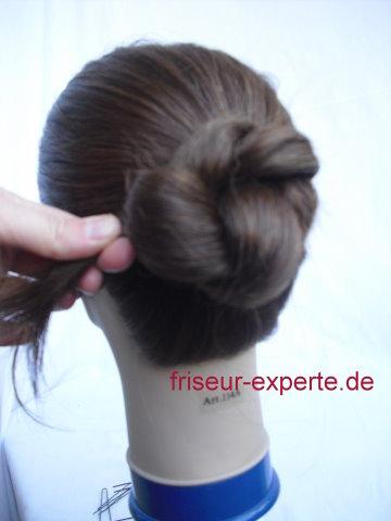 Hochsteckfrisuren Anleitung mit Bildern zum selbermachen: Twist Frisur mit zwei Strähnen   Langhaarfrisuren einfach Schritt für Schritt nachmachen