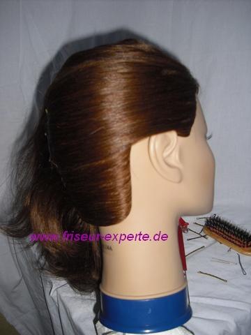 Workshop: Hochsteckfrisur Banane für normales Haar ohne Pony – Bildergalerie Schritt für Schritt erklärt