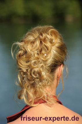 Brautfrisur oder Hochsteckfrisur zur Trauung mit Anleitung - Frisuren Bilder