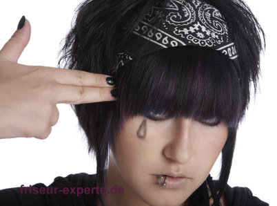 schwarze kurze haare emo girl