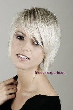 ponyfrisuren 2012 mit stirnfransen gesicht betonen schr g oder gerade friseur experte. Black Bedroom Furniture Sets. Home Design Ideas