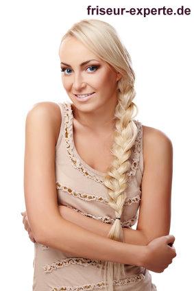 Zopf Frisur Braid lange blonde Haare extralang langer geflochtener Zopf für lange schwere Haare – hier: blond und gesträhnt