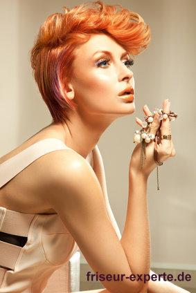 edel elegant kreativer look frisur rotes langes haar Edel & elegant – kreativer Look für rotes langes Haar